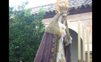 La Virgen de las Lágrimas en el Patio del Convento de Santa Marta.